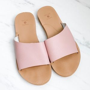 Shade & Shore Sandals size 6